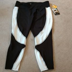 Crop Legging AVIA Size XL Black and White